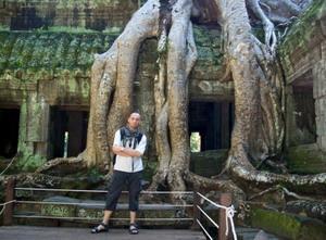 Volunteer at Ankor Wat