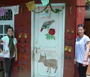 Voluntarios en centro para VIH/SIDA en Nepal
