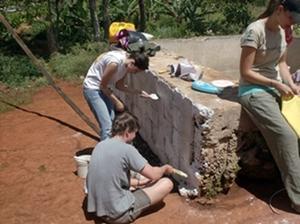 Voluntarios participando del proyecto de Construcción en Jamaica