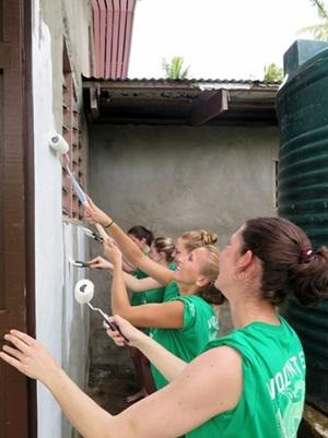 Conservation volunteers restore community hall as part of their Dirty Day activity title=