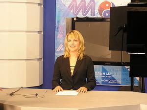 Female volunteer in the set