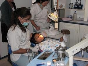 Voluntaria en el Proyecto de Odontología en Bolivia