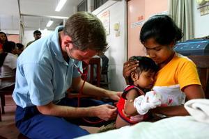 Volunteer consulting child