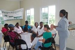 Clase de alfabetización del proyecto de Projects Abroad en Jamaica